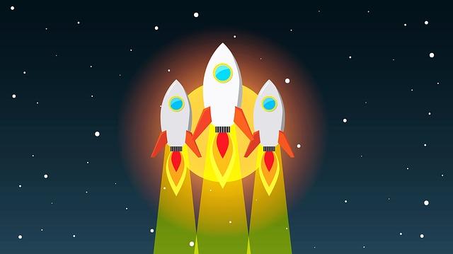 rocket-2680282_640.jpg